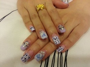 Far East Plaza manicure black n pink 2